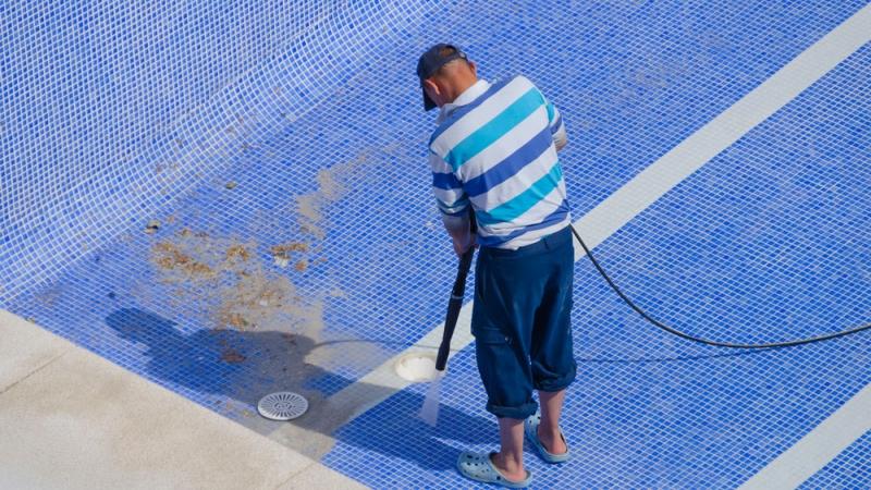 L'entretien régulier de votre piscine
